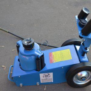TS1600-7 Домкрат грузовой подкатной пневмогидравлика
